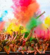 1024px-The_Color_Run_Grand_Prix_Edition_Melbourne_2014_12869502993.jpg