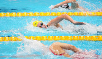 Ariarne Titmus of Australia competes in the Women's 4x200m Fresstyle Relay Final at the Tokyo Aquatics Centre during the Tokyo Olympic Games in Tokyo, Japan, Thursday, July 29, 2021. (AAP Image/Joe Giddens) NO ARCHIVING, EDITORIAL USE ONLY, IMAGES TO BE USED FOR NEWS REPORTING PURPOSES ONLY, NO COMMERCIAL USE WHATSOEVER, NO USE IN BOOKS WITHOUT PRIOR WRITTEN CONSENT FROM AAP