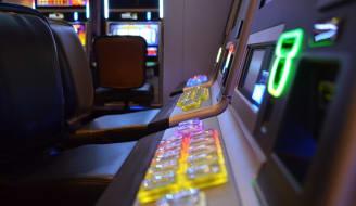 Poker gaming