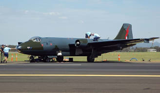 640px Canberra B.20 VH ZSQ 2008 Australian Defence Force Air Show