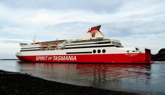 800px MS Spirit of Tasmania I at Devonport Tasmania 2