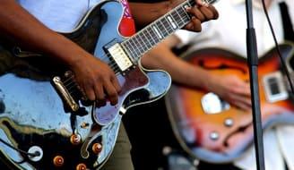 guitars 2033566 640