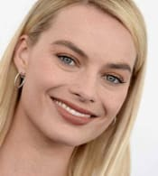 margot-robbie-spirit-awards-650x432.jpg