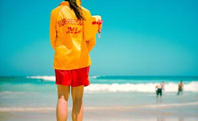 Lifeguard,_Sydney,_Australia.jpg