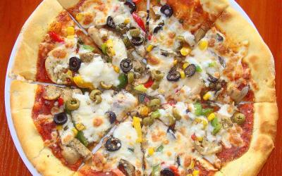 046_pizza,_sanok,_szwejk_2012.JPG