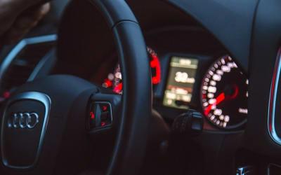 car 933704 640