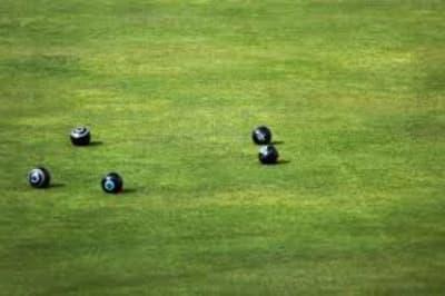 lawn bowls.jpg