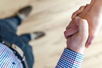 hand shake 4