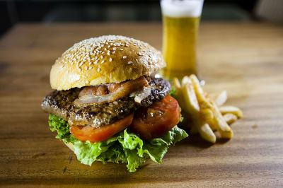 800px-RedDot_Burger.jpg