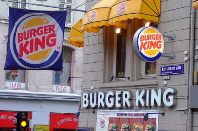 800px-Burger_King_Paa_Karl_JohanBy Jarvin (Own work)  via Wikimedia Commons resize.jpg