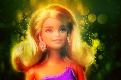 barbie-doll-2380468_640 PIXABAY.jpg