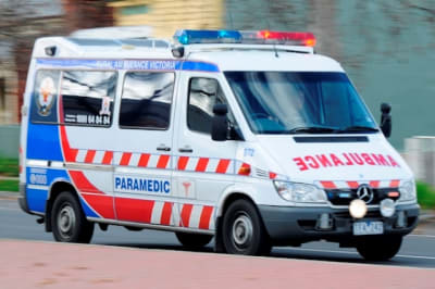 victoria melbourne ambulance lights sirens paramedic ambos