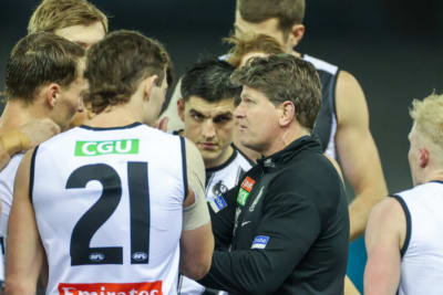 Harvey joins Hawks coaching panel