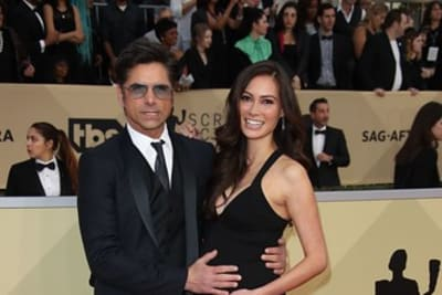 Thieves swipe $165K in jewelry from John Stamos