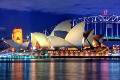 800px Sydney Opera House Close up HDR Sydney Australia resized