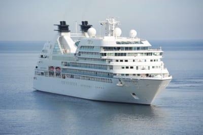 cruise-ship-cruiser-cruise-ship-144237 (1).jpeg
