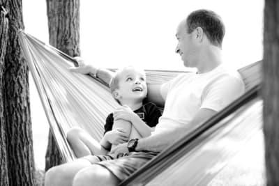 black-and-white-boy-child-childhood-208106.jpg