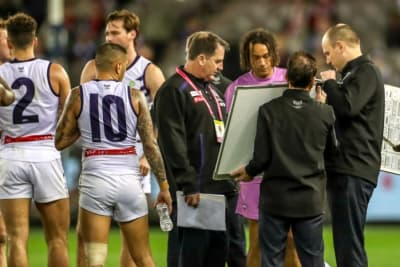 Dockers sack Lyon