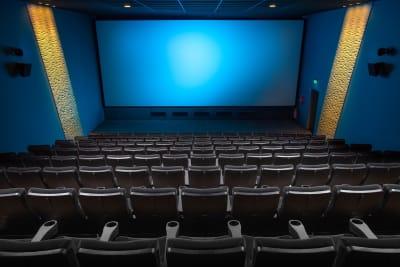 cinema-2502213_1280.jpg