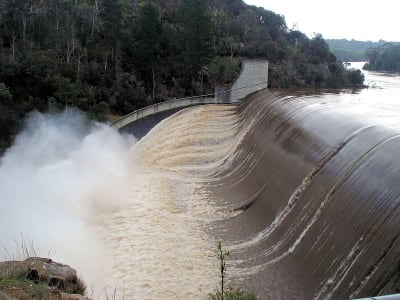 800px Trevallyn Dam