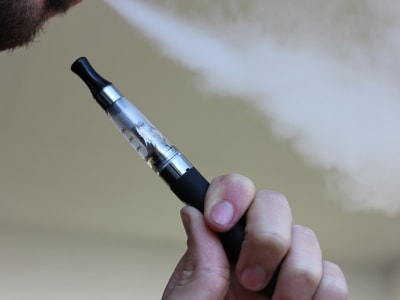 e cigarette 1301664 960 720