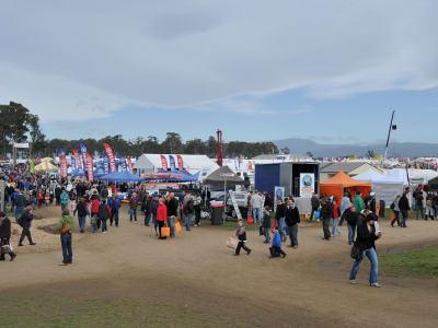Agfest_2010_crowd.jpg