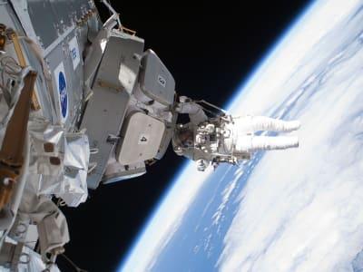 astronaut-894185_960_720.jpg