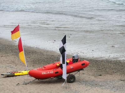 lifeguard-1443894_1920.jpg