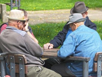 pensioners-3347948_640.jpg