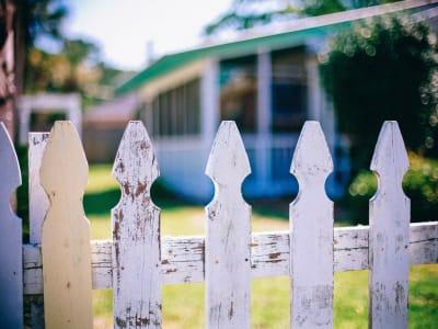 picket-fences-349713_1920.jpg