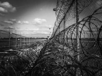 prison-fence-219264_960_720.jpg