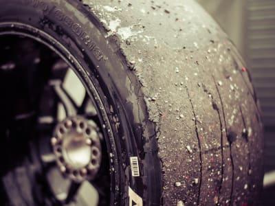 race-car-961216_1920.jpg