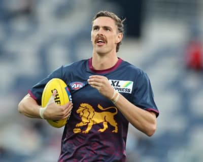 Bombers team up on Daniher