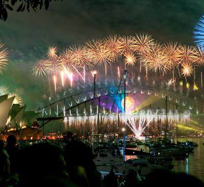 sydney habour bridge & opera house fireworks new year eve 2008