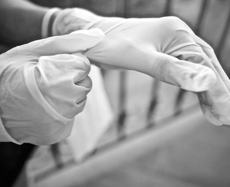 gloves-5155220_1920.jpg