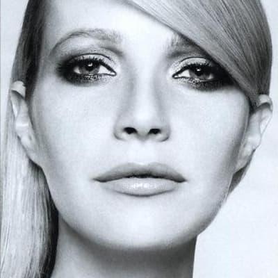 Gwyneth Paltrow, Sexy Breck Girl Snob