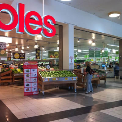 800px-Refurbished_Coles_supermarket_in_Berwick_1.jpg