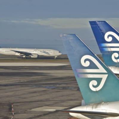 Auckland_airport_edit.jpg