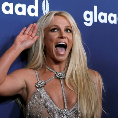 Singer Britney Spears poses at the 29th Annual GLAAD Media Awards in Beverly Hills, California, U.S., April 12, 2018. REUTERS/Mario Anzuoni     TPX IMAGES OF THE DAY