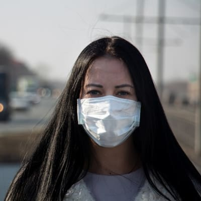 coronavirus covid-2019 is not true. Girl dont belive in coronavirus