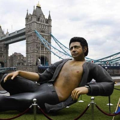 Giant Jeff Goldblum statue in London.jpg