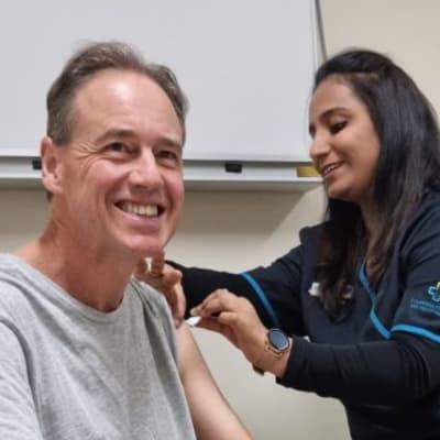 Greg_Hunt_vaccination_fbook_edit.jpg