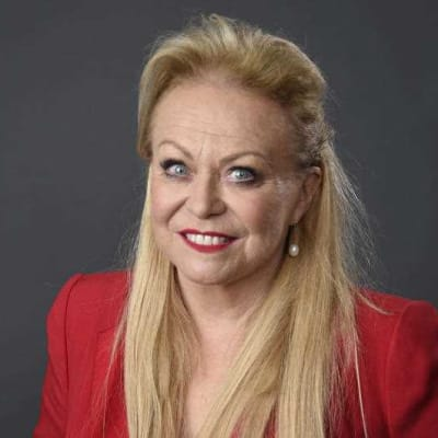 Jacki Weaver heads cast of new series.jpg
