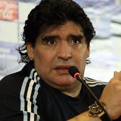 Maradona_2010.jpg