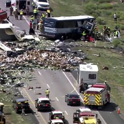 Mexico_bus_crash_kills_13_injures_more.jpg