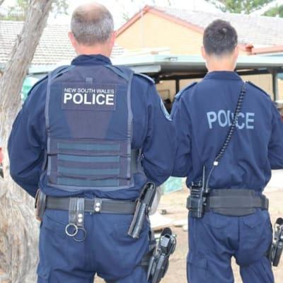 NSW_Police_2_officers_back_edit.jpg