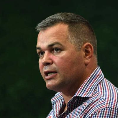 Seibold_says_too_early_to_judge_Broncos.jpg
