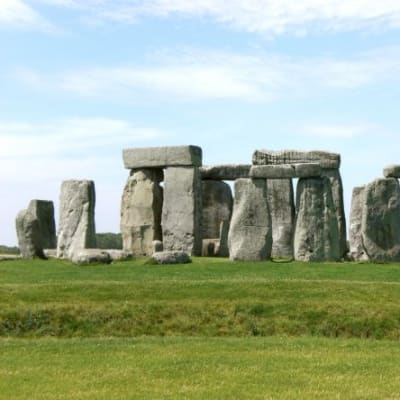 Stonehenge_Salisbury_retouched_edit.jpg