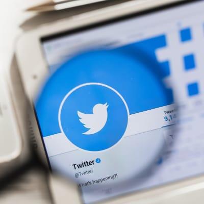 Twitter_blocks_accounts_of_Cuban_media.jpg