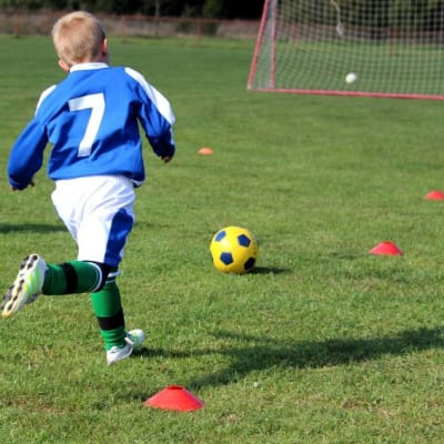 football-3715881_1280.jpg